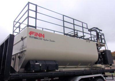 FINN T-330 TITAN HYDROSEEDER (4)
