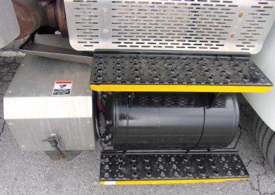 2012-INT.-4300-BUCKET-TRUCK-#2-(66)