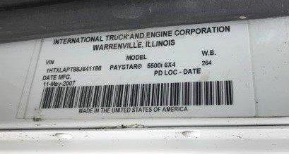 INT. PAYSTAR 5000 BOOM TRUCK (59)